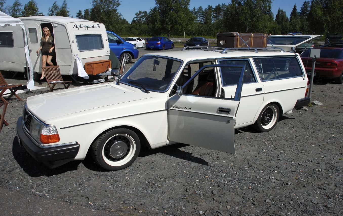Volvo 245 California (FuncCrew) Full